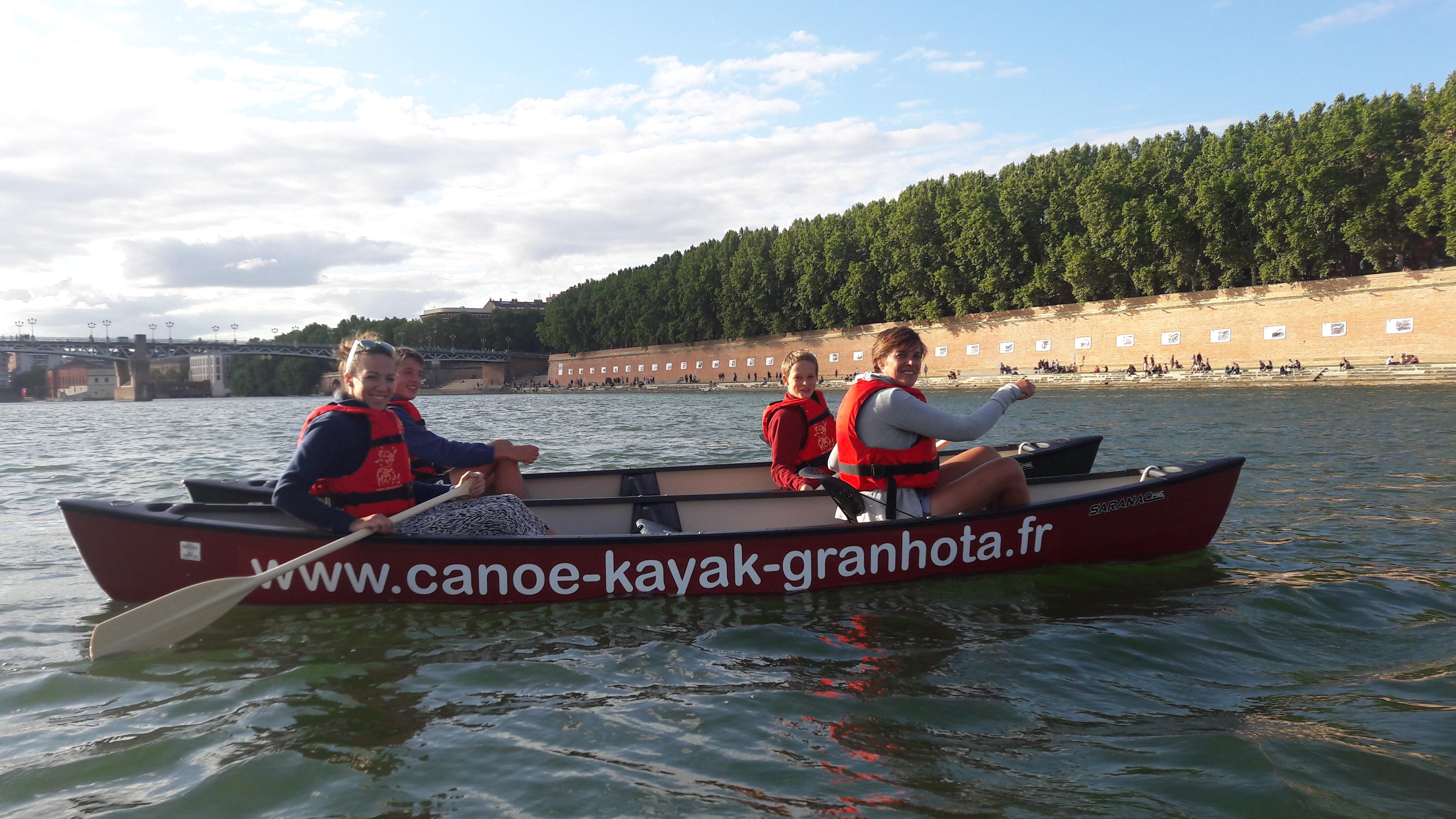 Balade commentée en canoë dans Toulouse + rafraîchissement : 15 € / pers